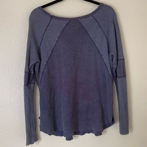 Volcom Tops - Volcom medium purple distressed thermal